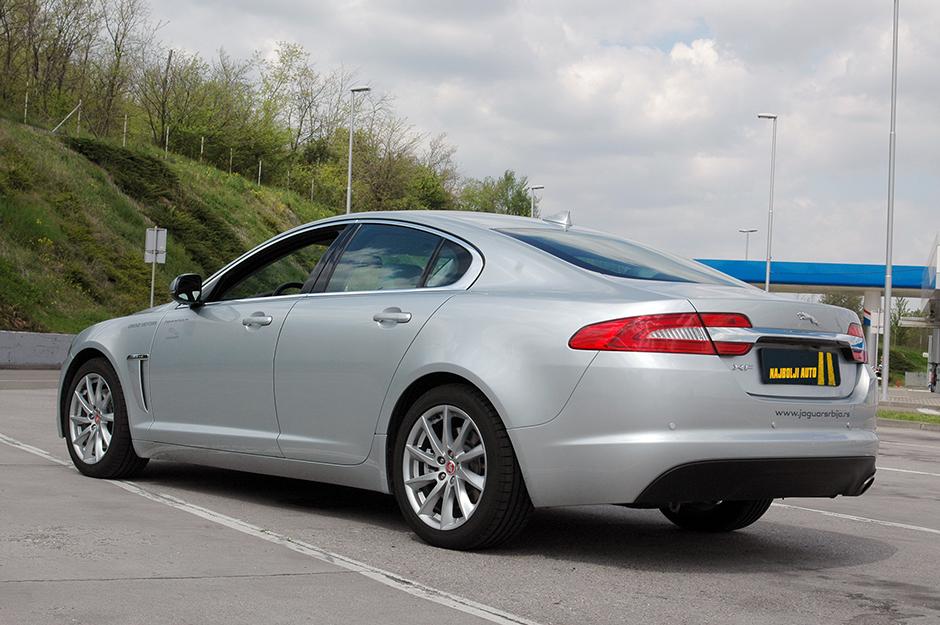 jaguar-xf-najboljiauto