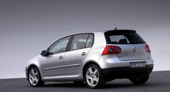 Volkswagen-Golf_V